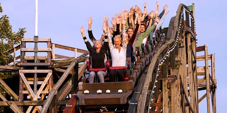 Åkband på Bakken - världens äldsta nöjespark